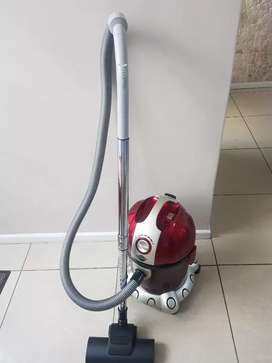Genesis wet and dry vacuum cleaner in fantastic condition.