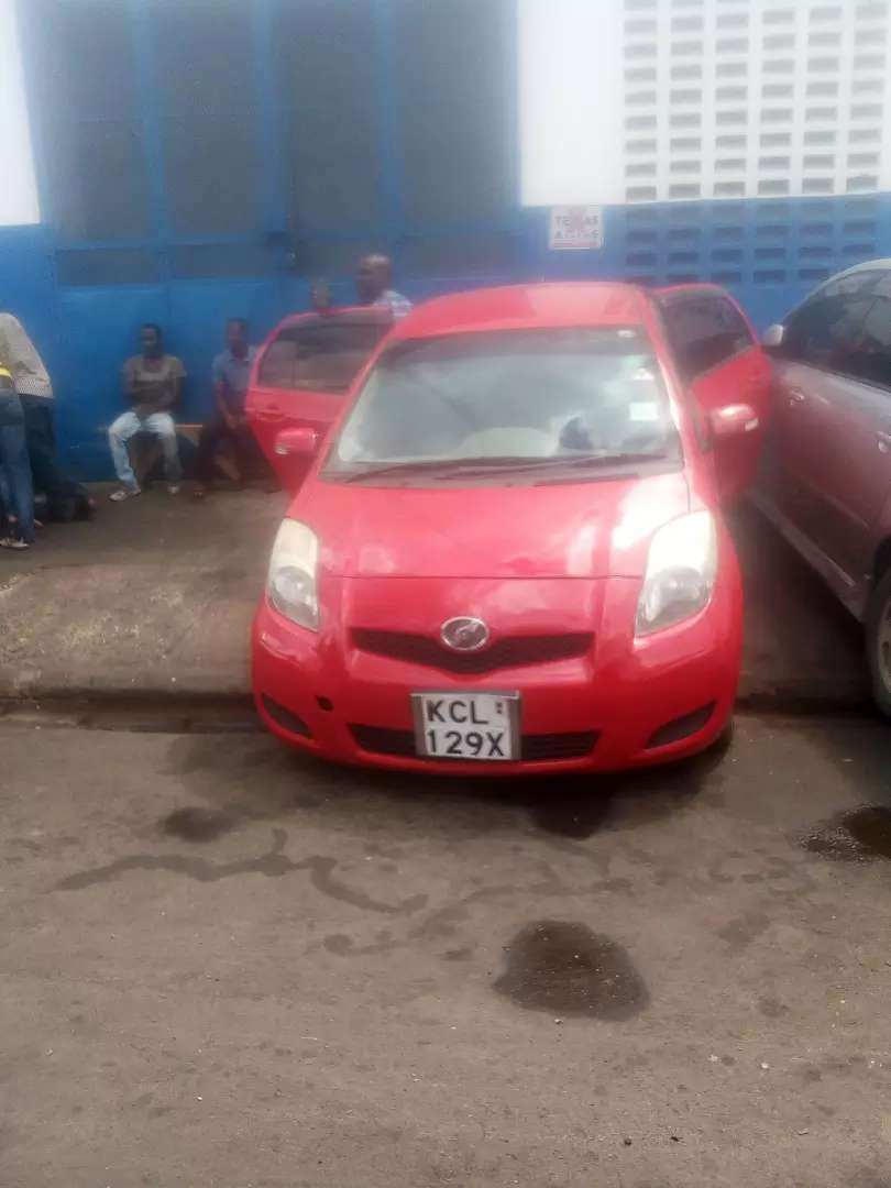 Toyota vitz very clean 0