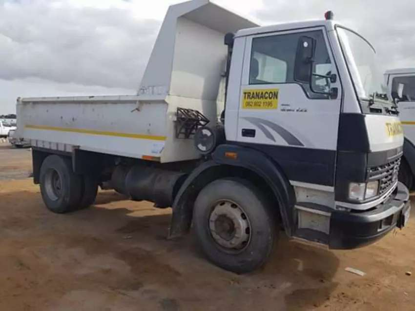 Tlb hire and Tipper truck hire services 0
