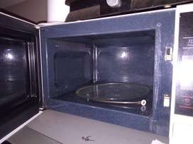 Samsung microwave fully functional.