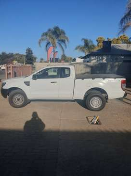 Ford Ranger 2.2 clubcab,good condition, great runner,light on fuel