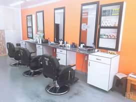 Looking for Barber or rent the chair