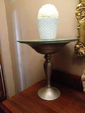 2 Side tables with glass top