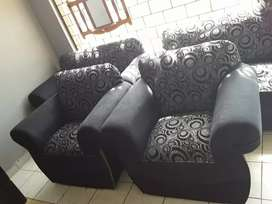 Couches 6 seater
