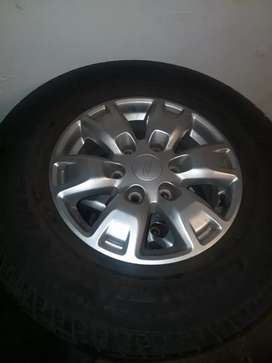 Ford ranger rims and tyres R4500 neg
