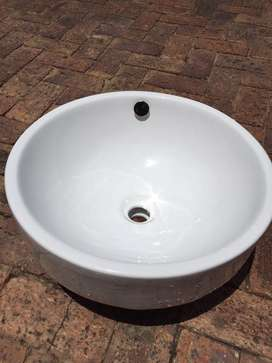 Round Basin for sale, never used
