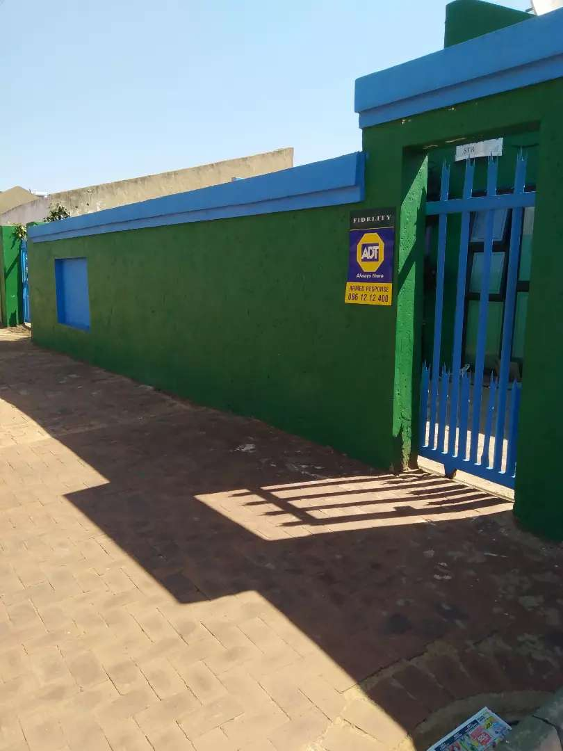 House for Sale in Dobsonville Ext 2 inner suburb of soweto