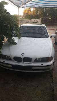 Image of Immaculate 1999 BMW 5401