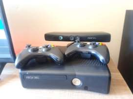 X box 360 for for sale, 2 games, 2 controllers and a kinect