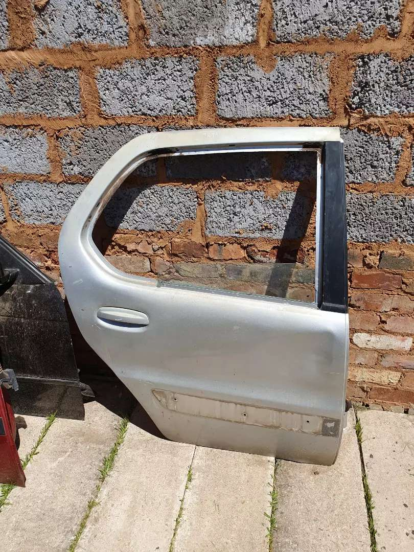 Tata indica rear right door shell 0
