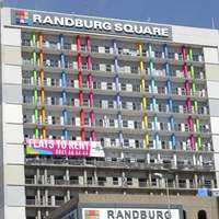 Image of Single lady to share one bedroom apartment at Randburg Square