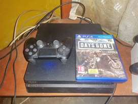 I'm selling SONY PS4(500GB)