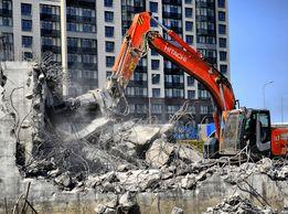 Демонтаж старых домов сараев промышленных заводов и вывоз на свалку