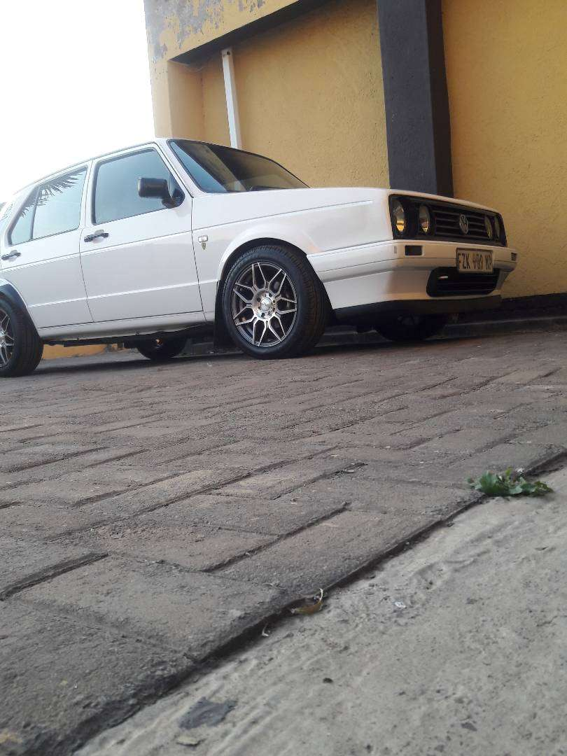 """Its a white VW Golf TenaCiti with sound and 15""""mags on it.I 0"""