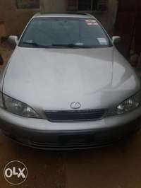 lexus ES 300 with AC working perfectly 0