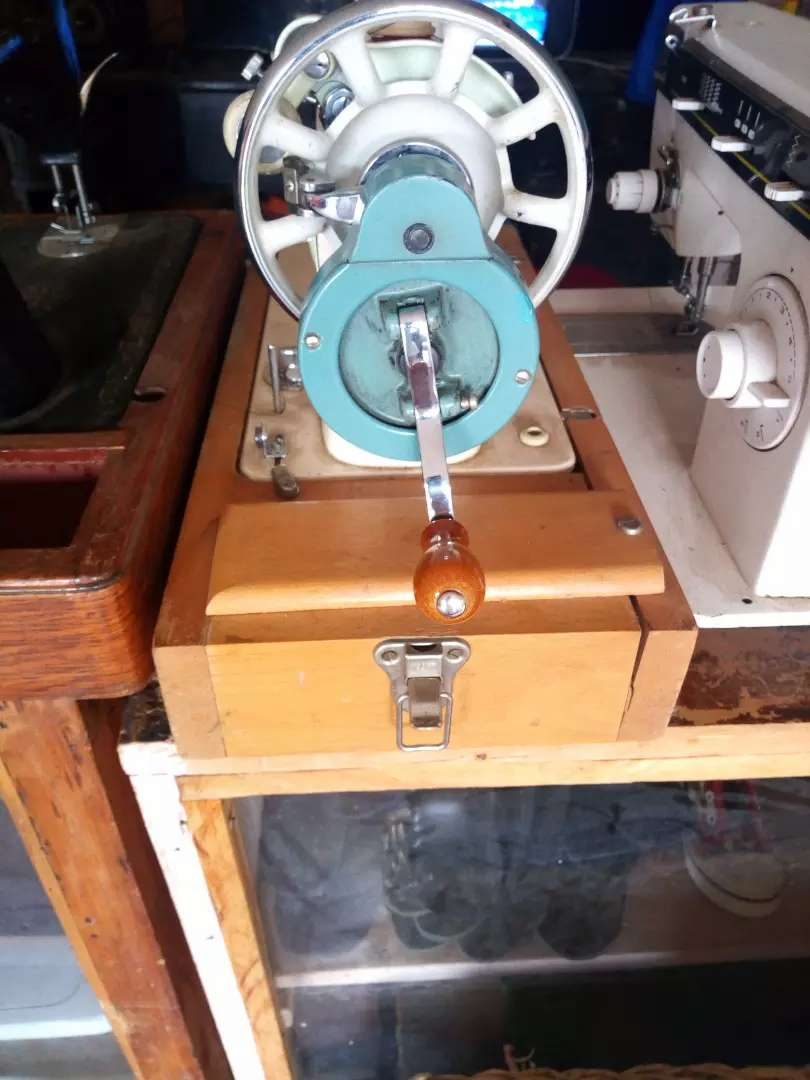 Original Singer sewing machine 0