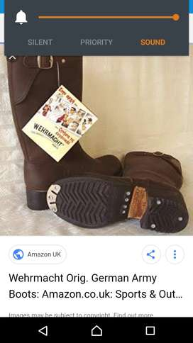 Hi Im selling second hand WEHRMAGHT Boots.