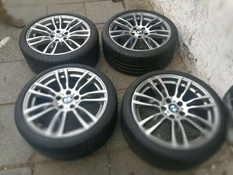 Original Set of BMW 19 inch mags with tyres for sell 0