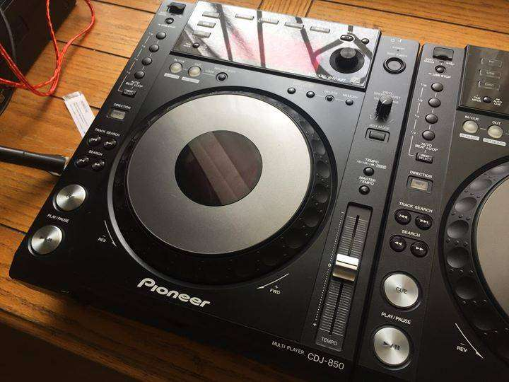 Pioneer CDJ 850k pair for sale. Or swop with 350s and a difference. 0
