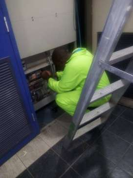 COMMERCIAL AIR-CON, FRIDGE SERVICES & HEIGHTS WINDOW CLEANING SERVICES