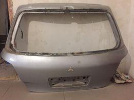 Кришка багажника Mitsubishi Outlander
