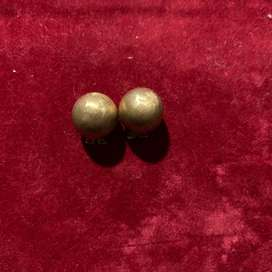 18ct gold earrings. Clip on