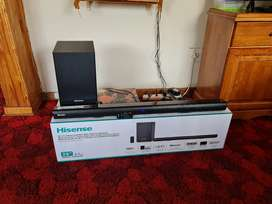 Hisence sound bar with wireless subwoofer