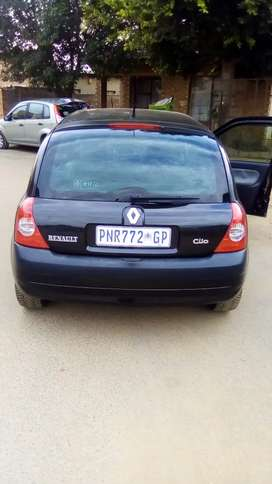 HI,SELLING RENAULT CLIO 1.2 16V IN A GOOD CONDITION.