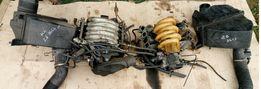Коллектор Корпус воздушного фильтра Расходомер Форсунка Ауди А6 С4