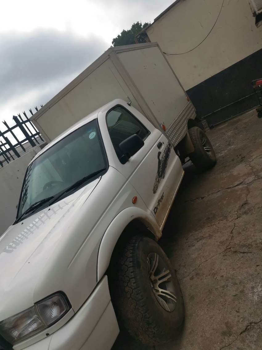 Delivery Bakkie with Cooler Box for sale. In every day use 0