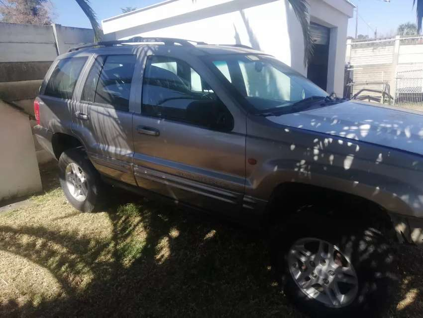 Jeep Grand cherokee 4.7 v8 stripping for spares 0