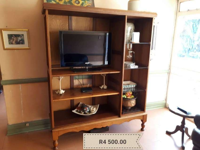 Antique TV Cabinet Only 0