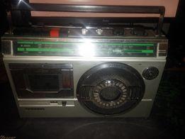 Ретро-магнитофон Sanyo M 2822H в хорошем состоянии