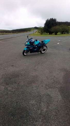 Suzuki gsxr 1000 k4 for sale R47 000 neg
