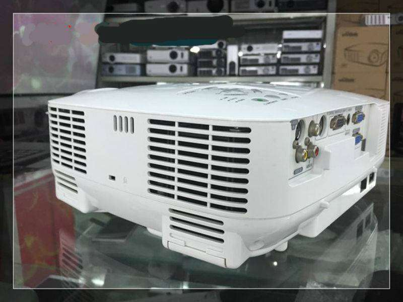 CLEAN REFURBISHED EX-UK NEC VT580 LCD HOME THEATER PROJECTOR 0
