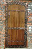 изготовление дверей любых видов ( металл+дерево, под старое дерево)
