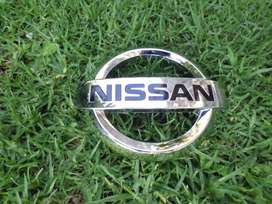 NISSAN NP200 MAIN GRILL BADGE FOR SALE. BRAND NEW