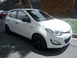 2014 HYUNDAI I20 MANUAL