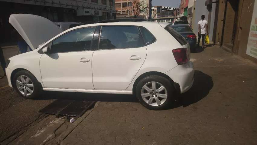 Polo6 sun roof at low price 0