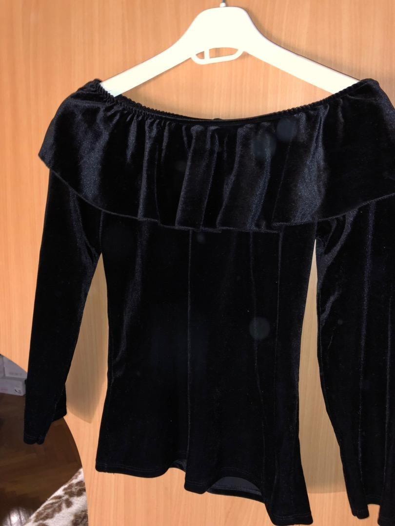 Plisana crna majica 0