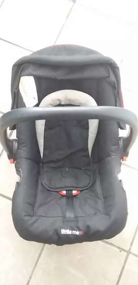 Little me baby carrier /car chair