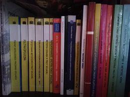Pr. Socjalna-19 książek sprzedam