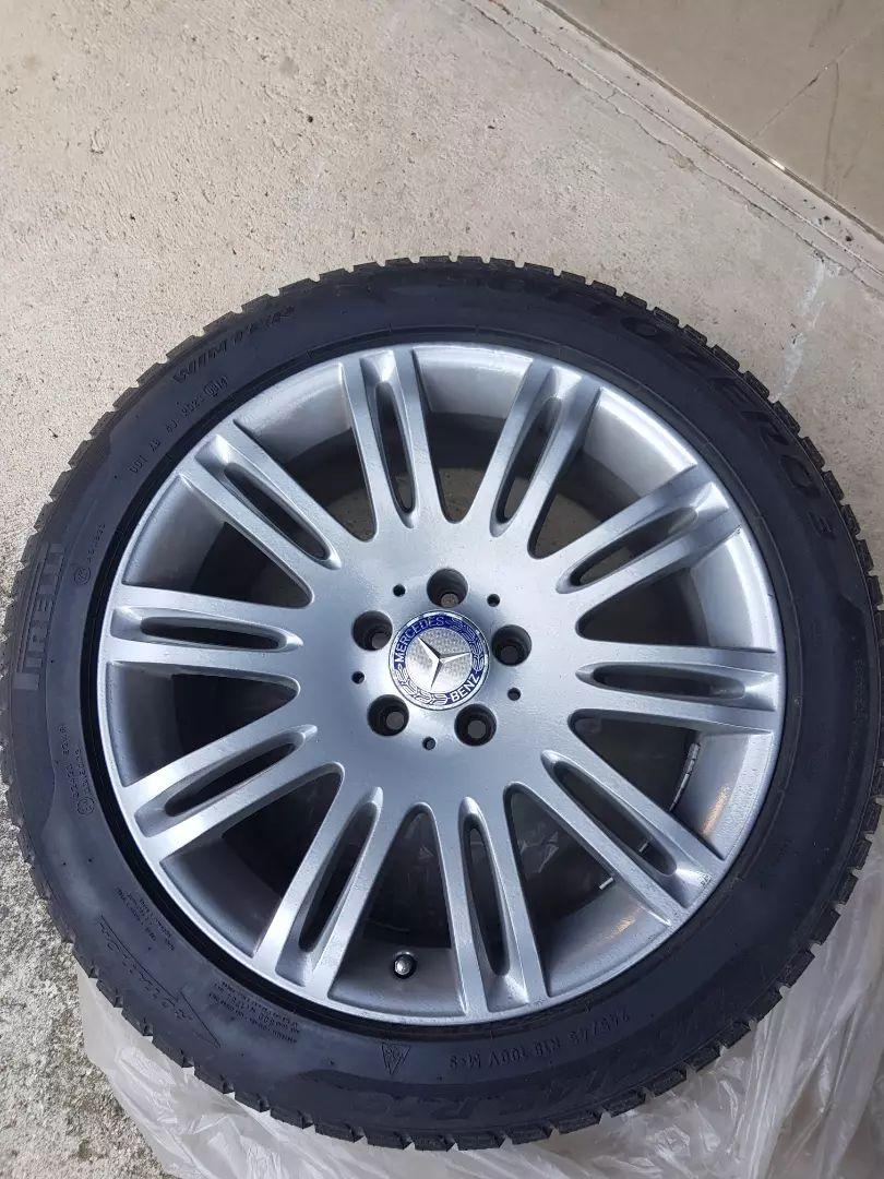 """Mercedes original platisca na zimskih 18"""" gumah, 2x4kom za Eja in MLa 0"""