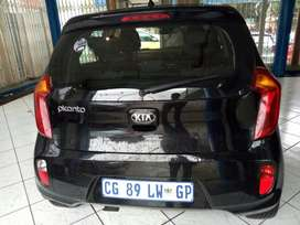 Kia picanto year model 2013 engine capacity 1.2maniege 63000km  R69500