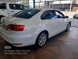 VW Jetta VI 2.0 tdi Highline