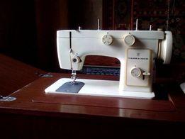 """Продам в Павлограде Швейную машинку """"Чайка 142-М"""" в отличном состоянии"""