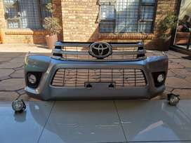 Toyota hilux 2.8 GD6 bumper and grille