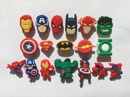 Кроксы,украшения джибитсы Jibbitz на сапоги crocs босоножки Супергерои
