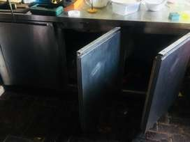 Takeway and bar frige