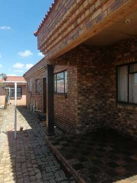 3 HOUSE FOR SALE IN SOSHANGUVE SOUTH EXT2